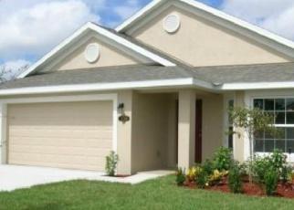 Foreclosed Home en BREAKAWAY TRL, Titusville, FL - 32780