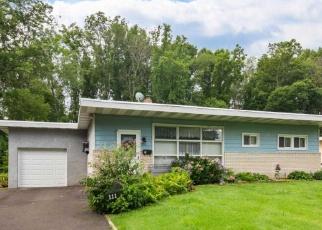 Casa en ejecución hipotecaria in Feasterville Trevose, PA, 19053,  WOODBINE AVE ID: P1138152