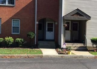Foreclosed Home en GREENMEADOW DR, Babylon, NY - 11702