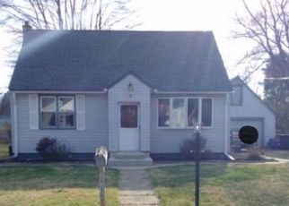 Foreclosed Home en PHILLIPS AVE, Feasterville Trevose, PA - 19053