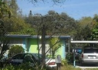 Foreclosed Home en NE 159TH ST, Miami, FL - 33162