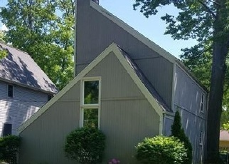 Casa en ejecución hipotecaria in North Olmsted, OH, 44070,  DECKER RD ID: P1139690
