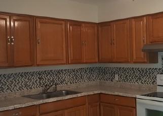 Foreclosed Home en W PRAIRIE ST, Avon Park, FL - 33825
