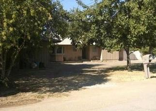 Foreclosed Home en KINGSLEY LN, Bakersfield, CA - 93304