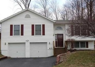 Foreclosed Home en BREWSTER DR, Middletown, NY - 10940