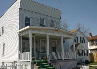 Foreclosed Home en 4TH AVE, Watervliet, NY - 12189