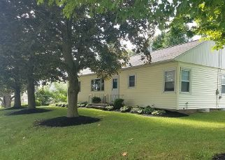 Foreclosed Home en W GENESEE ST, Chittenango, NY - 13037