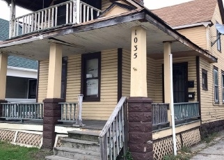 Foreclosed Home en E 72ND ST, Cleveland, OH - 44103