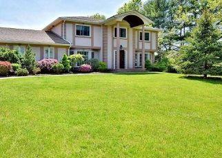 Casa en ejecución hipotecaria in Melville, NY, 11747,  QUINTREE LN ID: P1141207