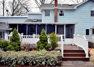 Foreclosed Home in DILLMONT DR, Smithtown, NY - 11787
