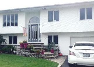 Foreclosed Home en BOULEVARD AVE, West Islip, NY - 11795