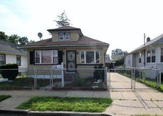 Foreclosed Home en RONALD PL, Roosevelt, NY - 11575