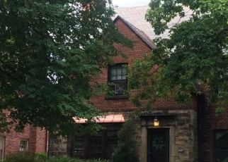Foreclosed Home en CHARNEY RD, Cleveland, OH - 44118