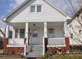 Casa en ejecución hipotecaria in Lakewood, OH, 44107,  CLARENCE AVE ID: P1143122