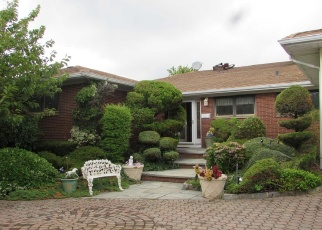 Foreclosed Home in CLUB DR, Massapequa, NY - 11758