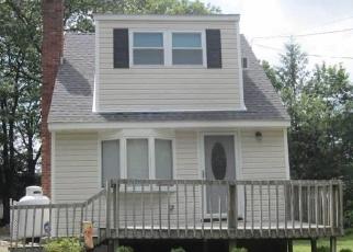 Casa en ejecución hipotecaria in Selden, NY, 11784,  BERKSHIRE DR ID: P1143634