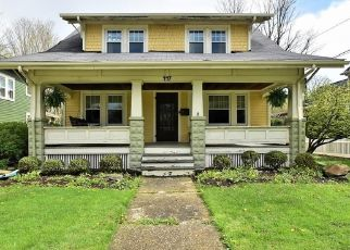 Foreclosed Home en E WASHINGTON ST, Chagrin Falls, OH - 44022
