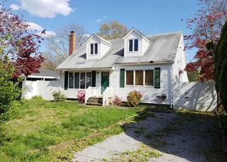 Foreclosed Home en PINEWOOD DR, Shirley, NY - 11967