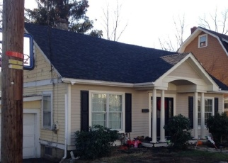 Foreclosed Home en WOODS PL, Middletown, NY - 10940