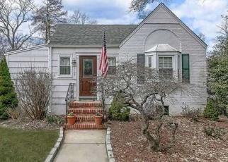 Casa en ejecución hipotecaria in Islip, NY, 11751,  ISLIP AVE ID: P1145450