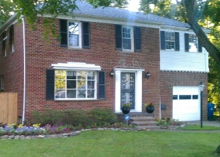 Foreclosed Home en CLAGUE RD, North Olmsted, OH - 44070
