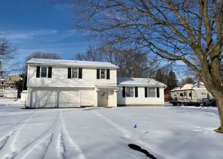 Foreclosed Home en GOLF STREAM DR, Penfield, NY - 14526