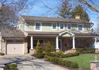 Casa en ejecución hipotecaria in East Islip, NY, 11730,  SHERRY ST ID: P1148923