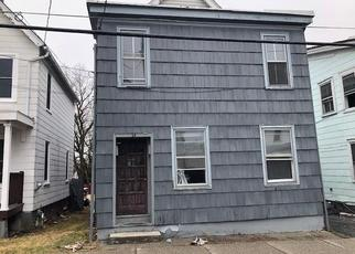 Foreclosed Home en PRINCE ST, Middletown, NY - 10940
