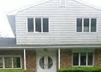 Foreclosed Home in TRUXTON RD, Huntington Station, NY - 11746