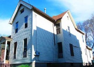 Foreclosed Home en SYLVESTER ST, Rochester, NY - 14621