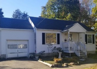 Foreclosed Home en HARDING AVE, Vestal, NY - 13850