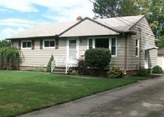 Foreclosed Home en MILDRED AVE, North Olmsted, OH - 44070