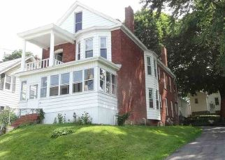 Foreclosed Home en KINLOCH AVE, Troy, NY - 12180