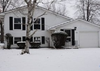Foreclosed Home in W 72ND CT, Merrillville, IN - 46410