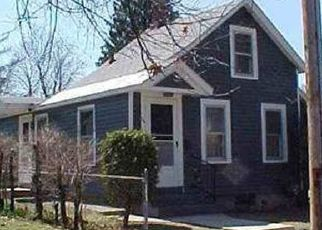 Foreclosed Home en 4TH ST, Glens Falls, NY - 12801