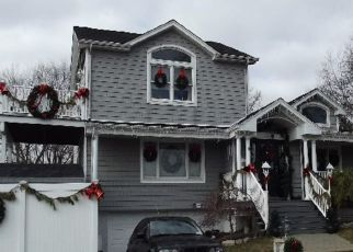 Foreclosed Home en DARBY LN, Seaford, NY - 11783