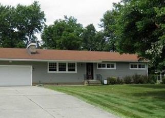 Foreclosed Home en CYPRESS AVE, Strongsville, OH - 44136