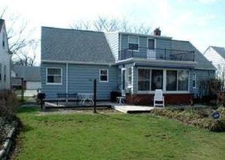 Foreclosed Home en BRAEBURN PARK DR, Euclid, OH - 44117