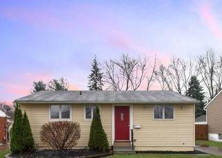 Casa en ejecución hipotecaria in Brook Park, OH, 44142,  SOUTHWAY DR ID: P1157076