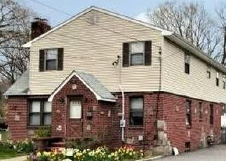 Foreclosed Home in LORIGAN ST, Islip Terrace, NY - 11752