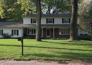 Foreclosed Home en PITTSFORD MANOR LN, Pittsford, NY - 14534