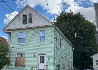 Foreclosed Home en CHURCHILL AVE, Utica, NY - 13502