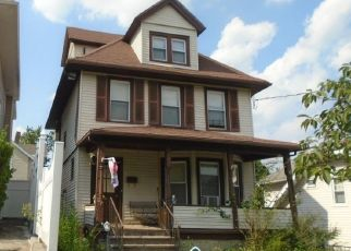 Foreclosed Home en MAYFLOWER AVE, New Rochelle, NY - 10801
