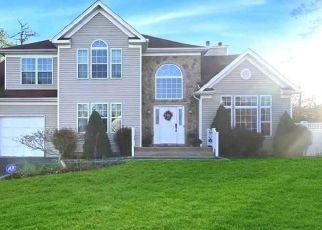 Casa en ejecución hipotecaria in Yaphank, NY, 11980,  HORSTEAD CT ID: P1158190