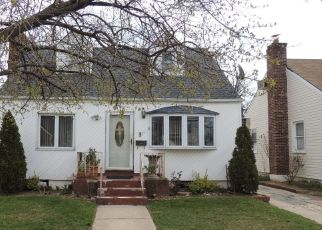 Foreclosed Home in GREEN ST, Valley Stream, NY - 11580
