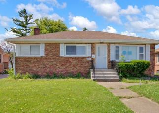 Foreclosed Home in E 154TH ST, South Holland, IL - 60473