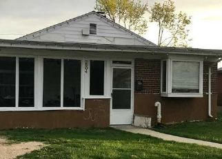 Foreclosed Home en CYPRESS AVE, East Meadow, NY - 11554