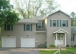 Foreclosed Home en 3RD ST, Canastota, NY - 13032