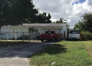 Foreclosed Home en MASSACHUSETTS DR, Lake Worth, FL - 33462