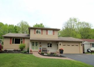 Foreclosed Home en ANN MARIE DR, Rochester, NY - 14606